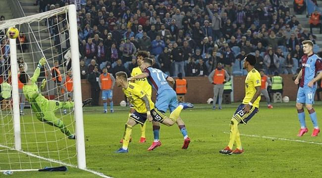 Trabzonspor geriden gelip Fenerbahçe'yi yendi