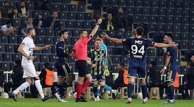 Fenerbahçe'de 4 futbolcu kart cezalısı