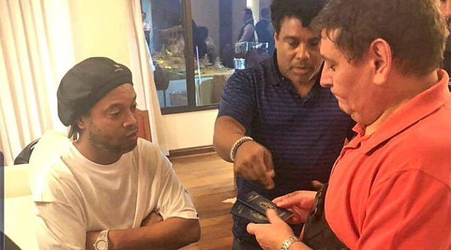 Ronaldinho gözaltına alındı