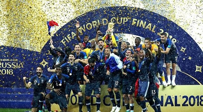 Dünya Kupası madalyasını sattı!