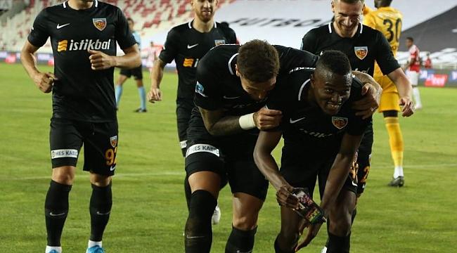 Beşiktaş'ı şaşırtan Mensah gerçeği