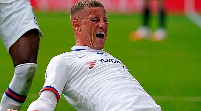 Chelsea yarı final biletini tek golle aldı