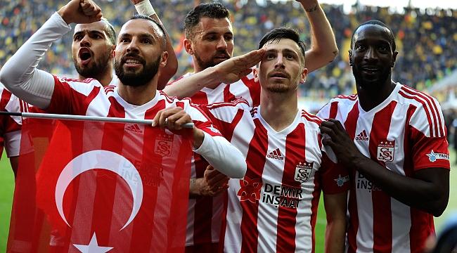 ''Fenerbahçe ile anlaştı, gidiyor''