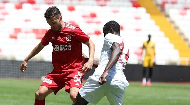 Sivasspor hazırlık maçı yaptı