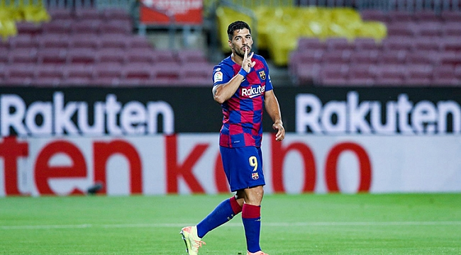 Barcelona derbiyi Suarez ile kazandı, ayakta kaldı