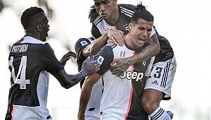 Cristiano Ronaldo İtalya'yı fethetmeye devam ediyor