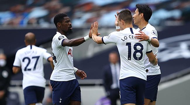 Leicester City'e 3 gollü ağır darbe!