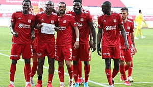 Sivasspor'un kabusu 3 maça çıktı! Fark açıldı
