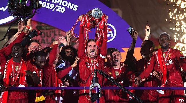 Ve Liverpool şampiyonluk kupasına kavuştu