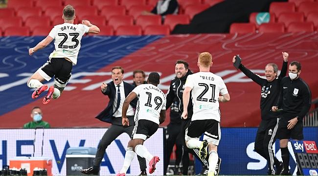 Premier League'e çıkan son takım belli oldu