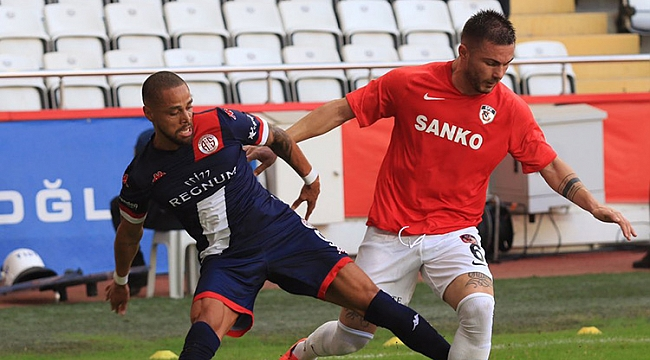 Antalya'da 4 gol kırmızı, 2 gol!