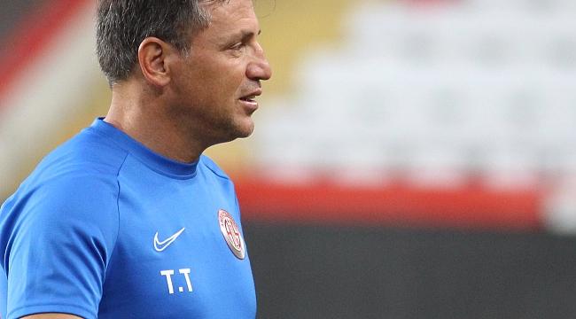 Antalyaspor'da ayrılık resmileşti