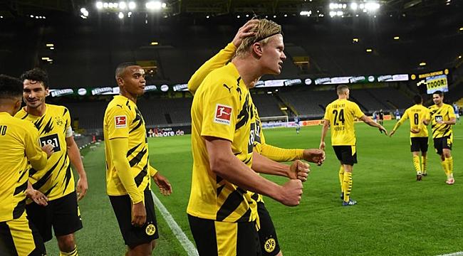 Dortmund derbiyi güle oynaya kazandı