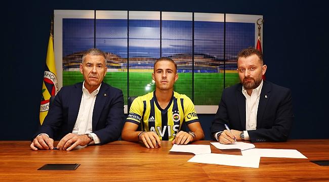 Fenerbahçe'ye iki orta saha transferi