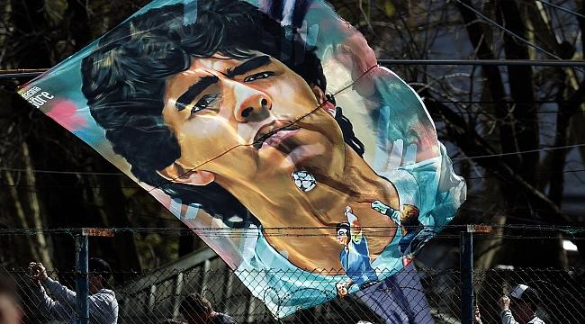 Bir ömür yetmez ki; Maradona
