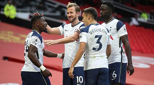 Old Trafford'da büyük yıkım! 7 gol...