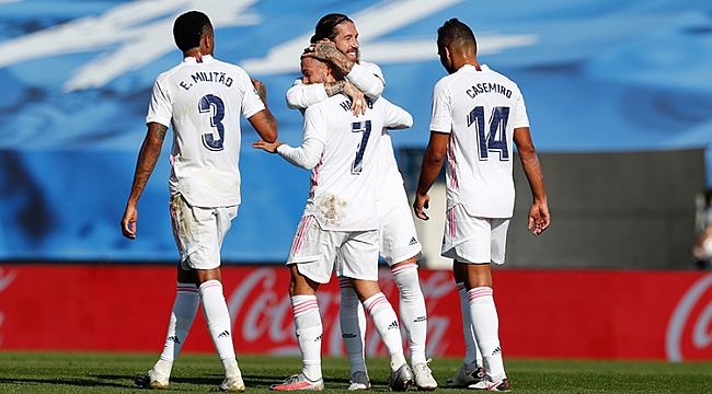 Real Madrid 4 golle zirvede!