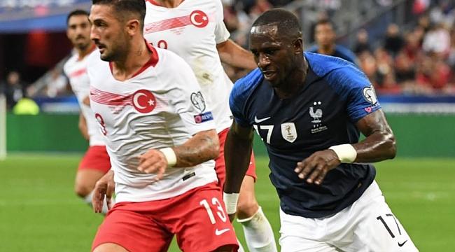 Trabzonspor'a bir defans daha! Fransa'dan Türk