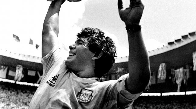 Diego Armando Maradona'yı kaybettik