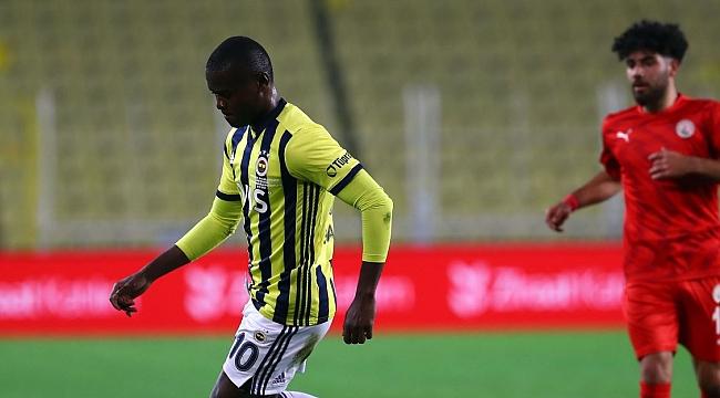 Fenerbahçe'ye kötü haber! Derbide yok