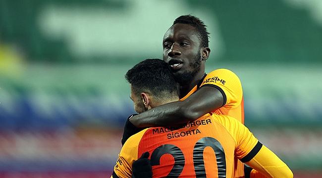 Galatasaray zorlu virajı 4 golle döndü!