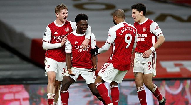 Arsenal 7 maçlık hasreti derbide bitirdi! 4 gol...