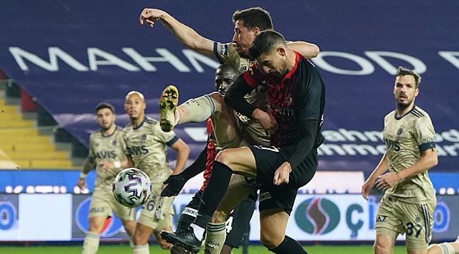 Fenerbahçe'ye bir darbe daha: 3-1