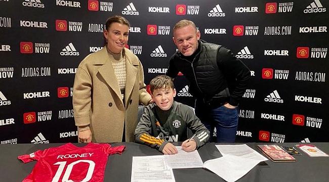 Galatasaray formalı küçük Rooney MANU ile imzaladı