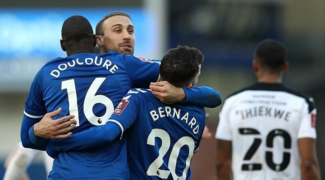Cenk Tosun 357 gün sonra attı, Everton turladı