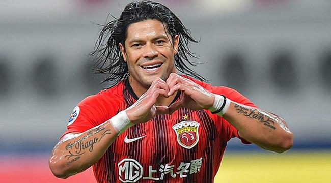 Beşiktaş'ı üzen haber! Hulk transferini açıkladılar
