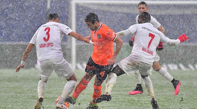 İstanbul'a kar geldi, galibiyet gelmedi