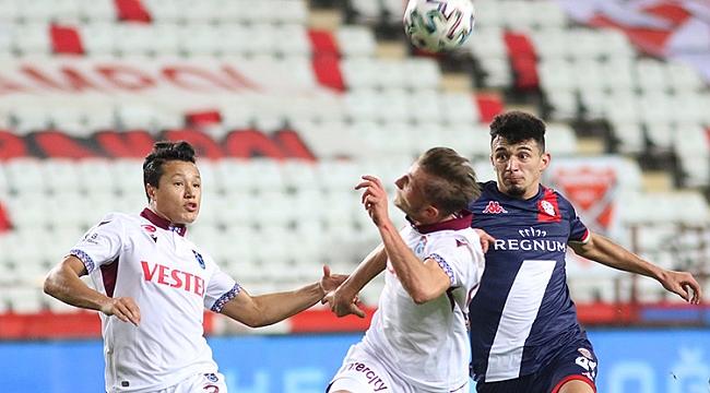 Trabzonspor puanı 90+6'da kurtardı