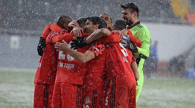 Beşiktaş - Denizlispor muhtemel 11'ler