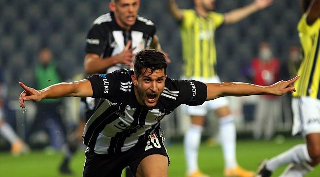 Beşiktaş'ın jokeri Necip Uysal! 4 farklı pozisyon