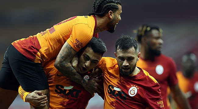 Galatasaray ve Mohamed zirveyi sevdi!