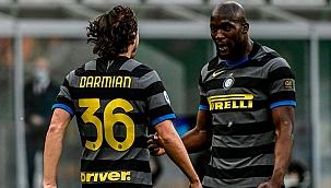 Lider Inter, Genoa engelini rahat geçti!
