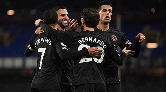 Manchester City rakip tanımıyor! 10 puanlık fark...