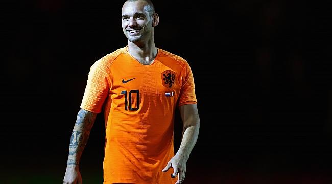 Wesley Sneijder, takım satın alıyor!