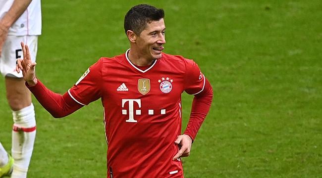 Bayern Münih durmuyor! 10 kişiyle 4 gollü zafer