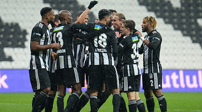 Beşiktaş 2 golle ile zirveye uçtu