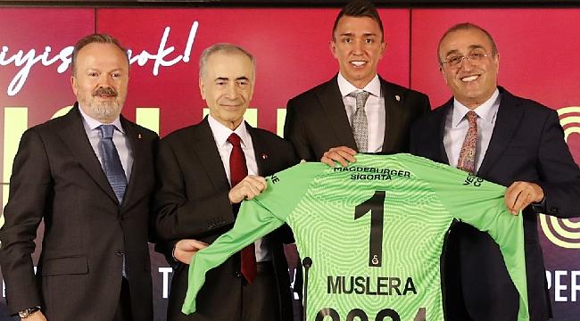 Fernando Muslera'dan 3 yıllık imza
