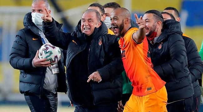 Galatasaray'da iki imza daha