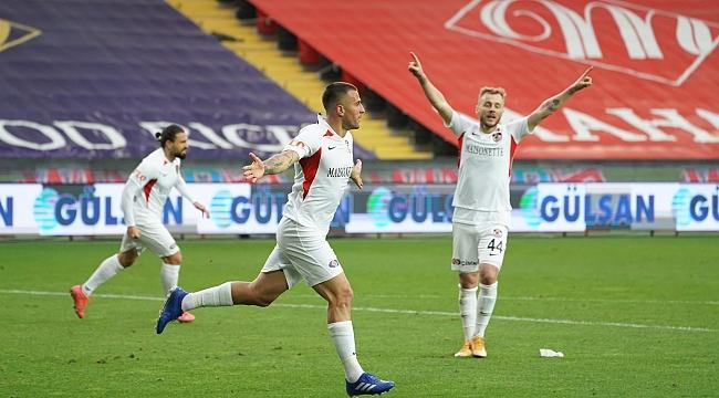 Gaziantep FK 10 kişi ile kazandı