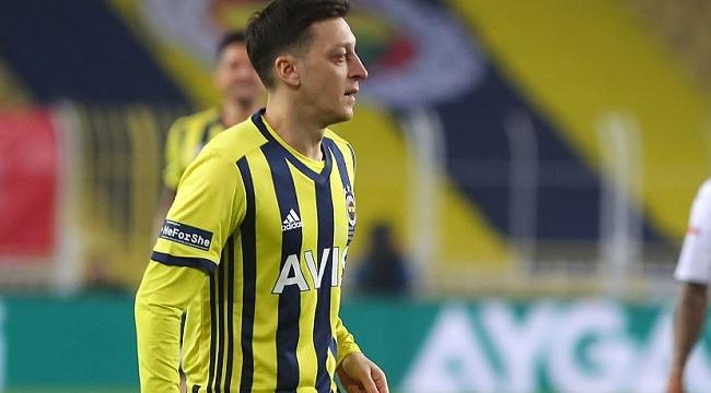 Mesut Özil, Beşiktaş derbisini kaçıracak mı?