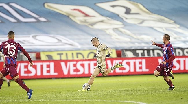 Pelkas, Fenerbahçe'yi taşıyor!