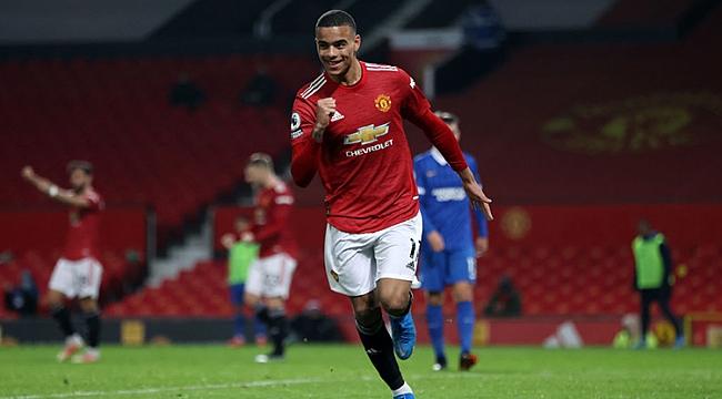 Manchester United 20 dakikada geri döndü! 2 gol...