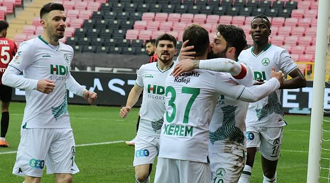 TFF 1. Lig'de şampiyonluk yarışı!