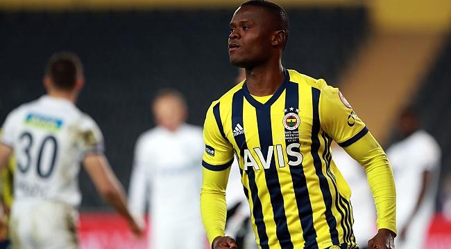 Fenerbahçe'de Samatta için hesaplar karışık