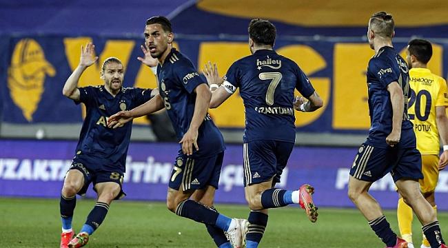 Fenerbahçe'ye 90+6'da hayat öpücüğü!
