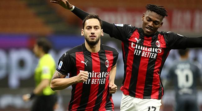 Hakan perdeyi açtı, Milan hata yapmadı! 2 gol...